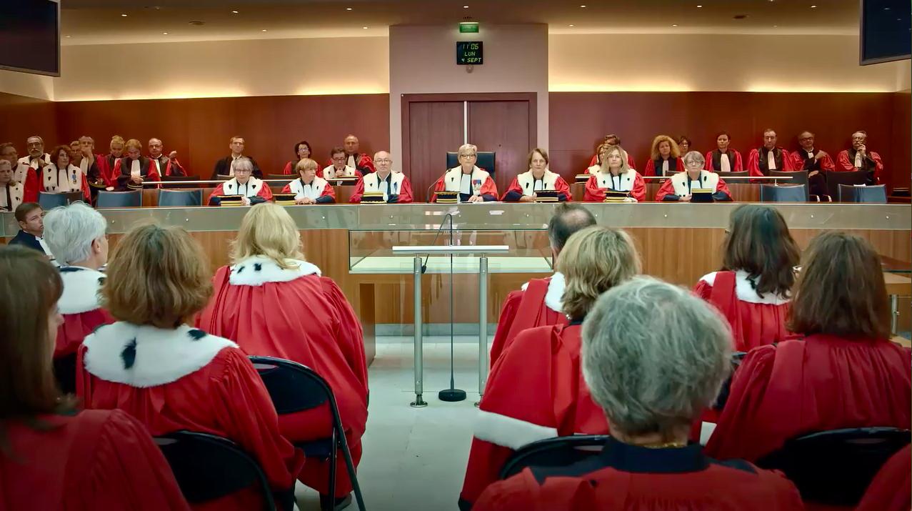 Rendre la justice, salle avec Magistrats